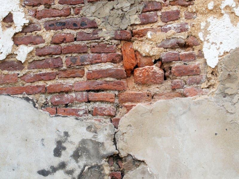 De oude muren zijn gebarsten stock foto