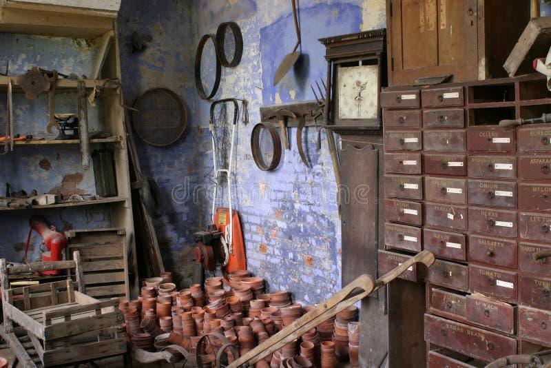 De oude Potting Loods stock afbeeldingen