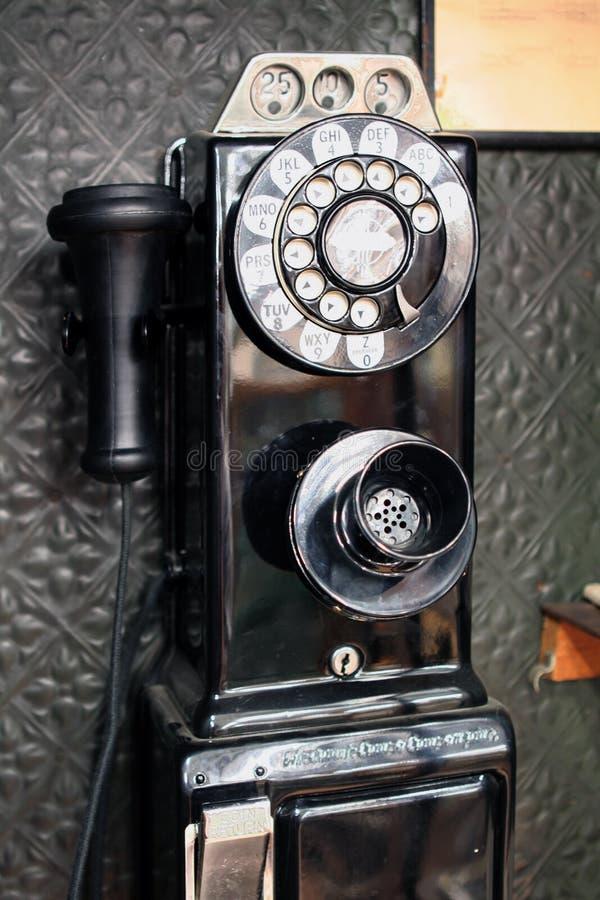 De oude Publieke telefooncel van de Stijl stock foto's