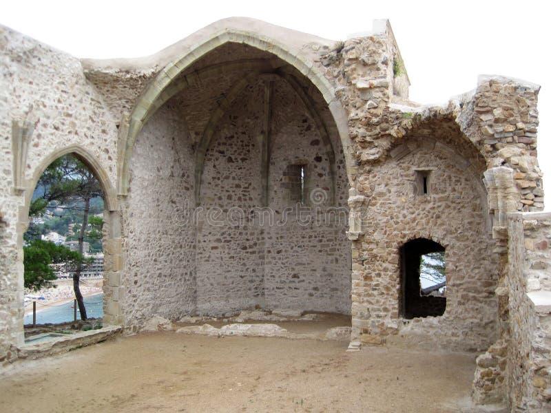 De oude ruïnes van een Spaans kasteel spanje Mooie achtergrond royalty-vrije stock foto's