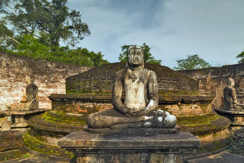 De oude ruïnes van Stadspolonnaruwa Vatadage in Polonnaruwa-stadstemperaturen royalty-vrije stock foto's