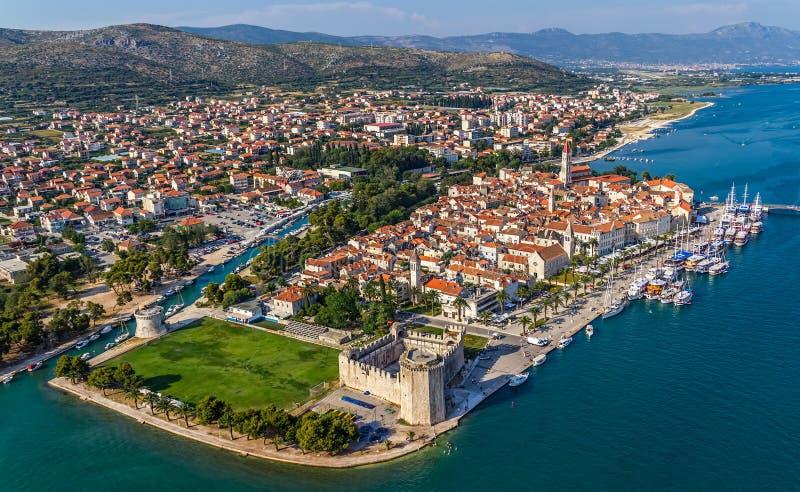 De oude stad van Trogir royalty-vrije stock afbeeldingen