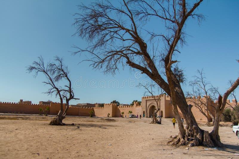 De oude stadsmuren in Taroudant, Marokko stock foto's