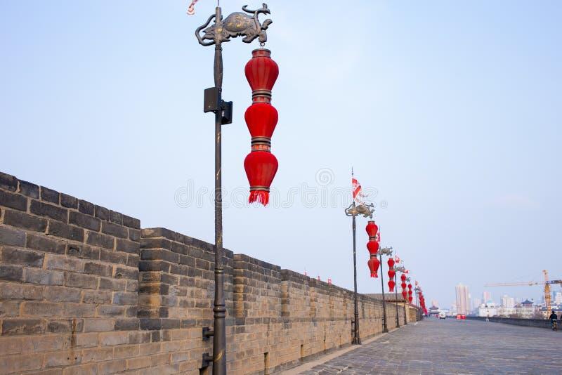De oude stadsmuur van toeristische attracties in Xi `, China royalty-vrije stock afbeeldingen