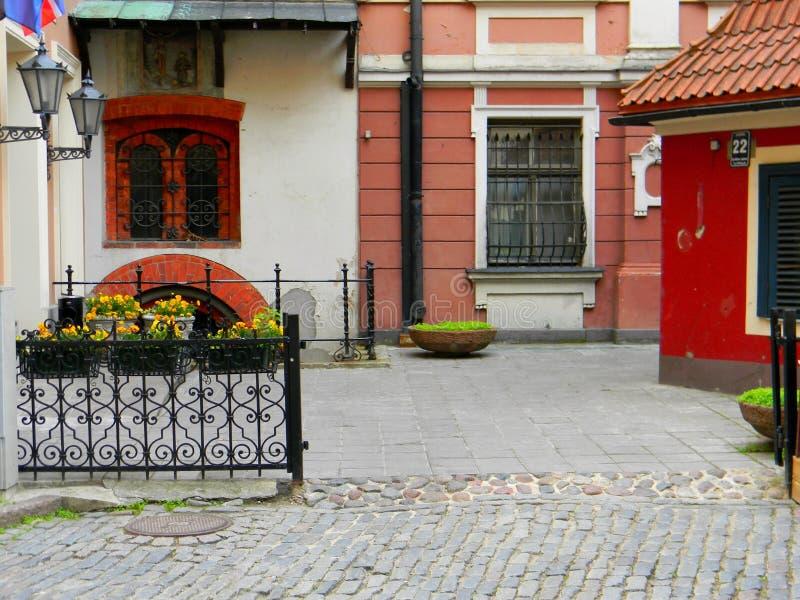 De oude straat van Riga, Letland royalty-vrije stock foto
