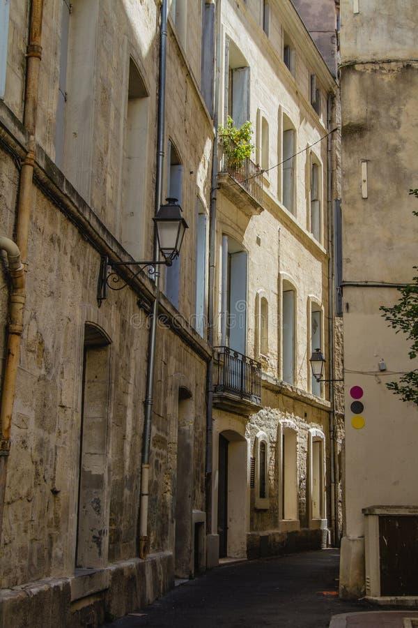 De oude straten van Montpellier royalty-vrije stock afbeelding