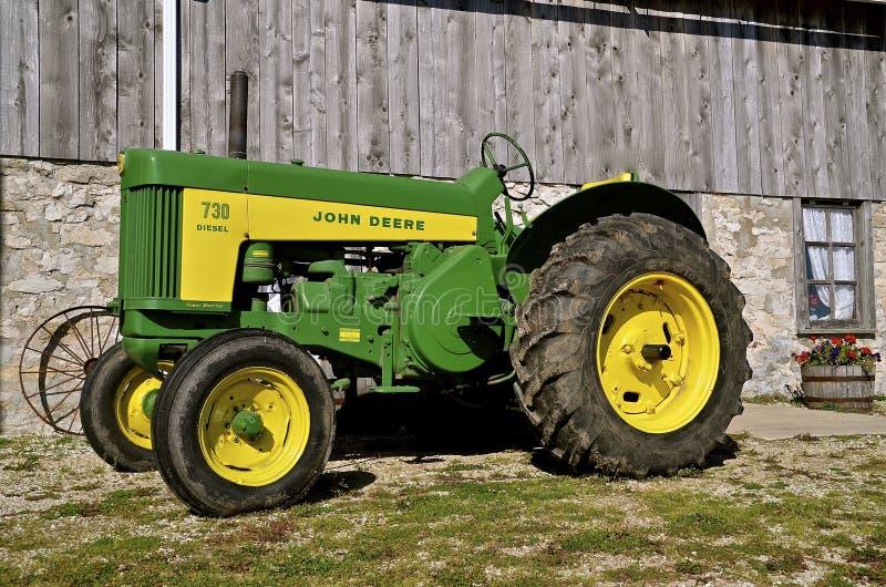 De oude Tractor van John Deere R royalty-vrije stock fotografie