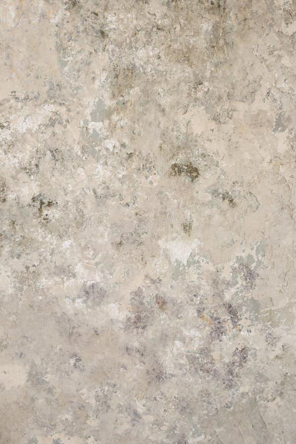 De oude uitstekende grungy pleister geschilderde achtergrond van de muurtextuur Grijs structureel pleister stock afbeeldingen
