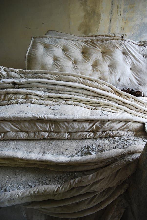 De oude verlaten bouw   royalty-vrije stock afbeelding