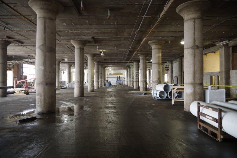 De Oude Verlaten Bouw van de pakhuisbouw royalty-vrije stock foto