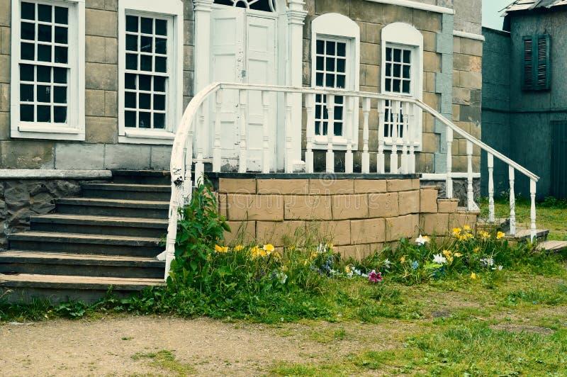 De oude verlaten verlaten straat stock foto