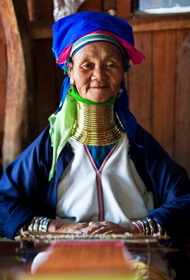 De oude vrouw van de Stam van Padaung royalty-vrije stock afbeeldingen