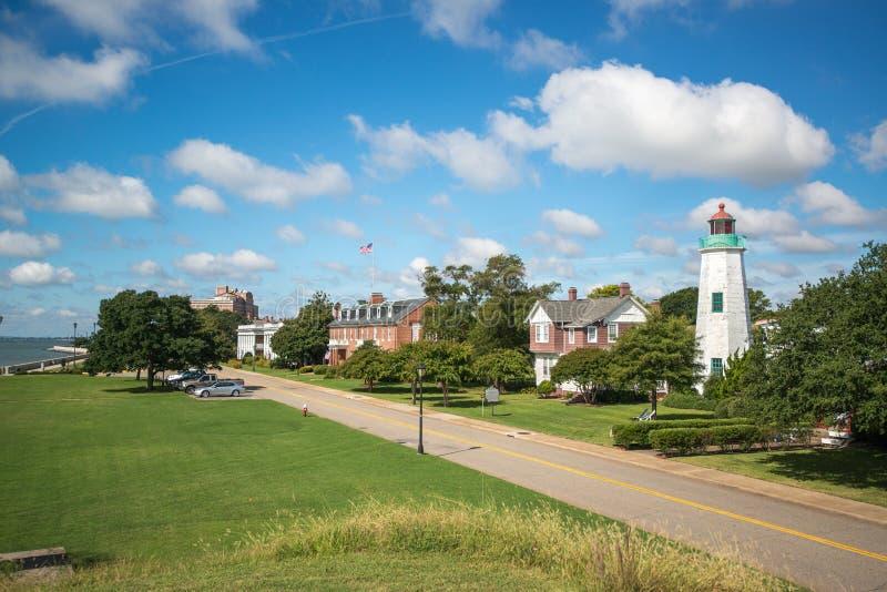 De oude Vuurtoren van het Puntcomfort, Fort Monroe, Virginia stock foto's