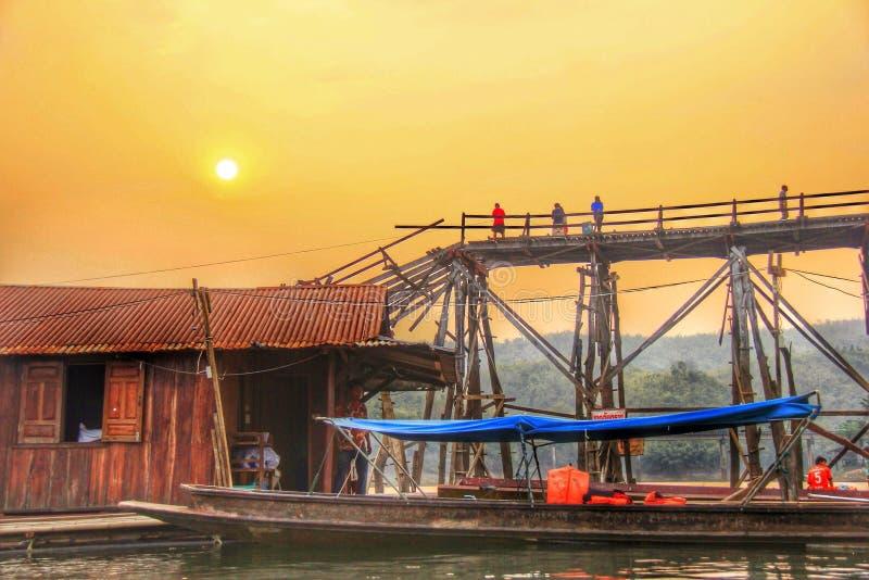 De oude Waterkant van Stadssangkhlaburi royalty-vrije stock afbeelding