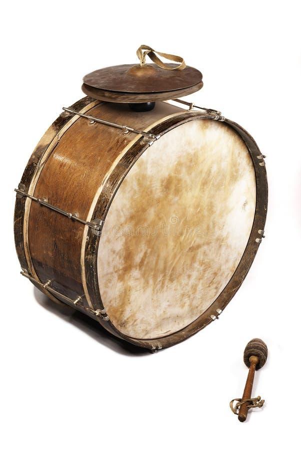 De oude, worldly-wise, sjofele, stoffige bastrommel stock fotografie