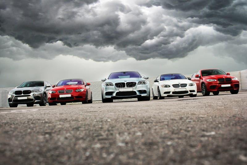 15 de outubro de 2016; Kiev, Ucrânia; BMW M5 Matt & 2x BMW X6 M & BMW M3 E92 imagem de stock