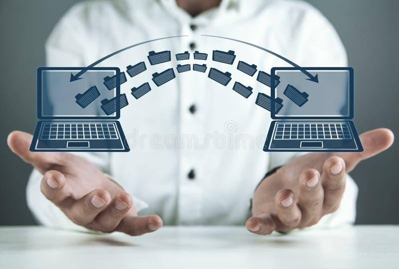 De overdracht van het notitieboekjesdossier Concept informatieuitwisseling stock foto