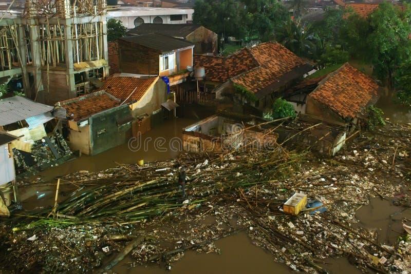 De overstroming van Djakarta stock foto's