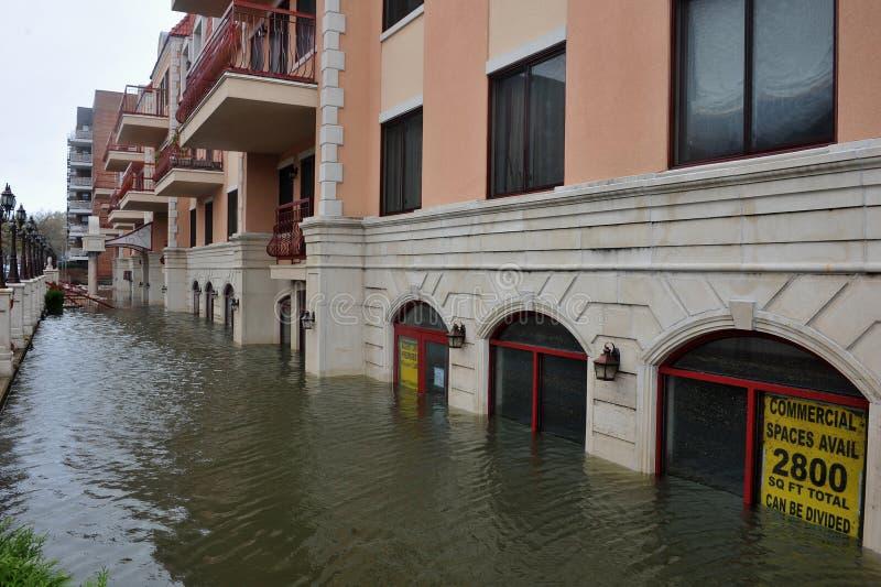 De overstroming van Seriouse in de gebouwen in Sheepshe stock afbeelding