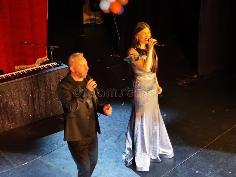 De overweging van Paula Seling & Ovi-bij het Joodse Theater van S tate in Boekarest royalty-vrije stock foto's