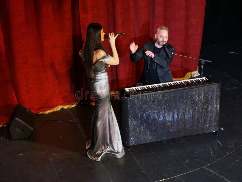 De overweging van Paula Seling & Ovi-bij het Joodse Theater van de Staat in Boekarest stock afbeelding