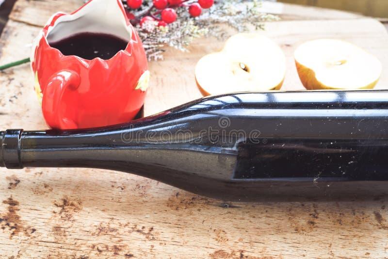 De overwogen ingrediënten van het wijnrecept stock foto