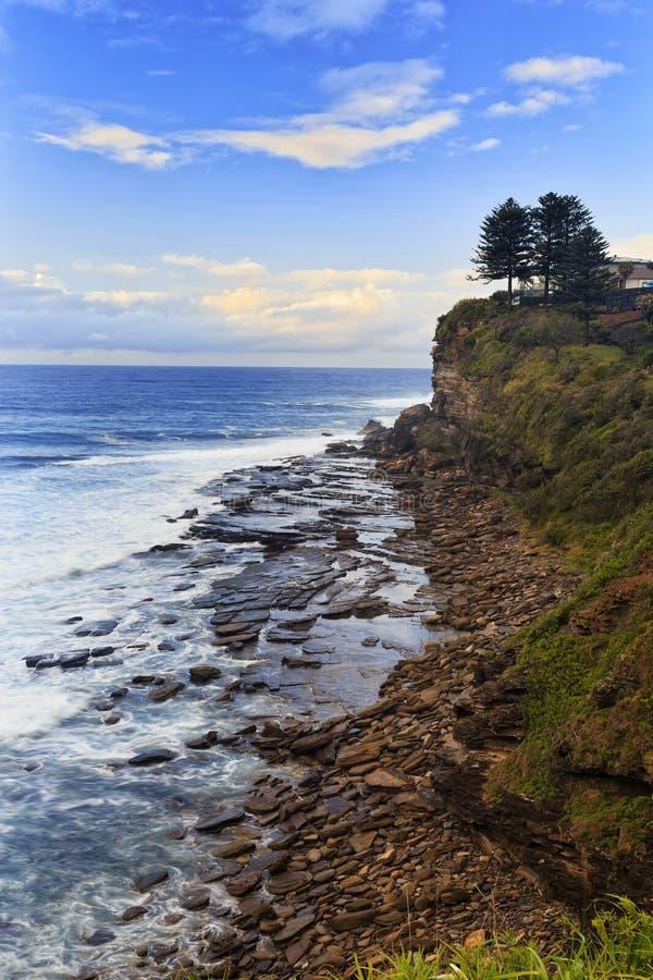 De overzeese klippenverticaal van Avalon stock fotografie