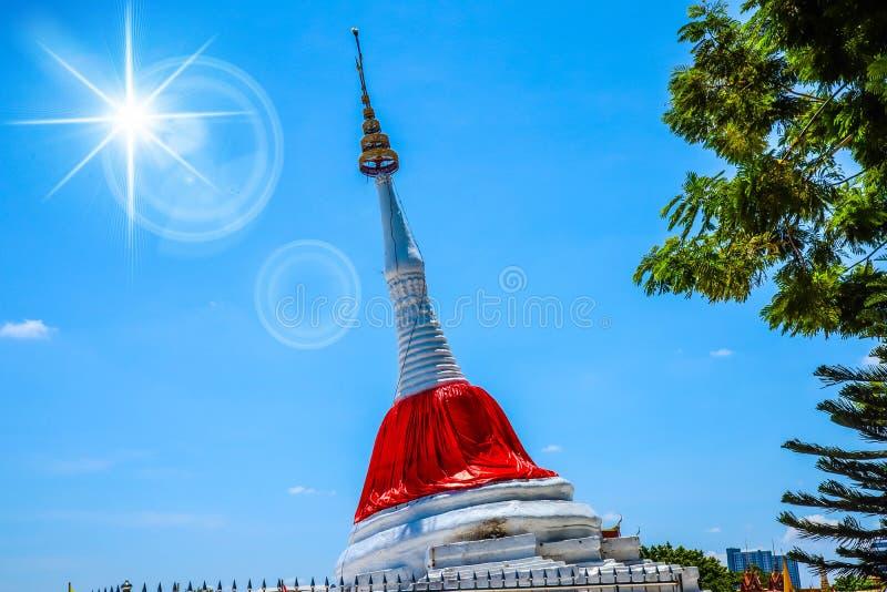 De pagode is dichtbij rivier royalty-vrije stock foto