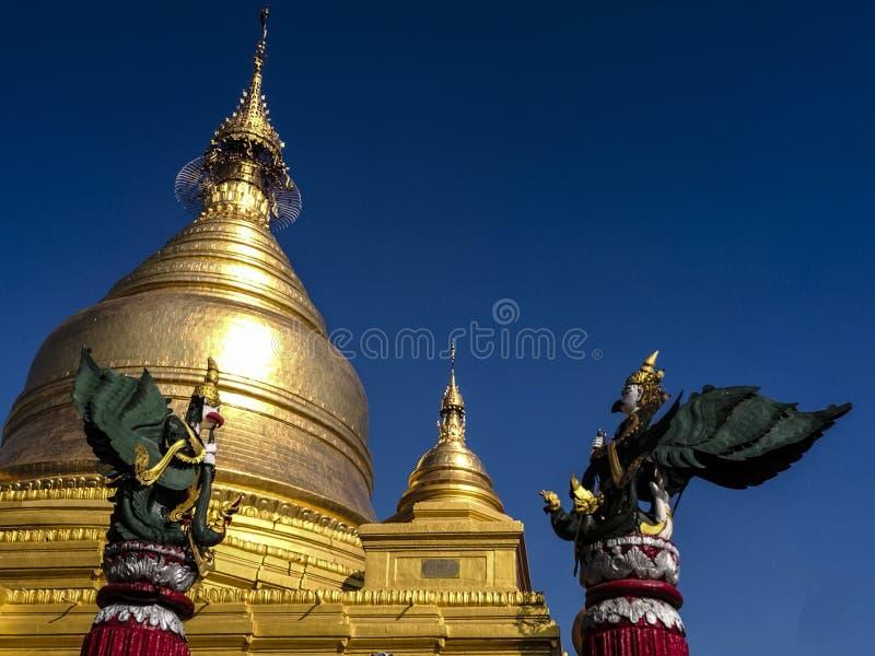 De pagode van kokdover in myanmar stock foto