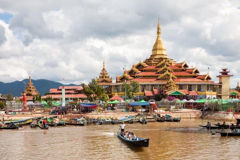 De Pagode van Phaungdaw Oo, Ywama, Birma stock foto's
