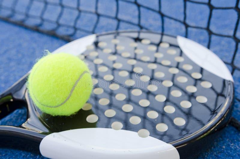 De palette de tennis toujours la vie image stock