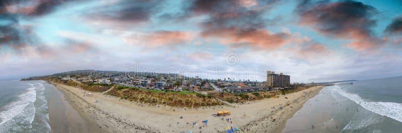 De Palissaden van La Jolla parkeren luchtpanorama bij zonsondergang, San Diego, CA royalty-vrije stock foto's