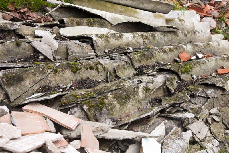 De panelen van het dakwerkasbest stock afbeelding