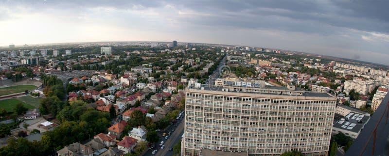 De panoramische luchtmening van Boekarest stock foto's