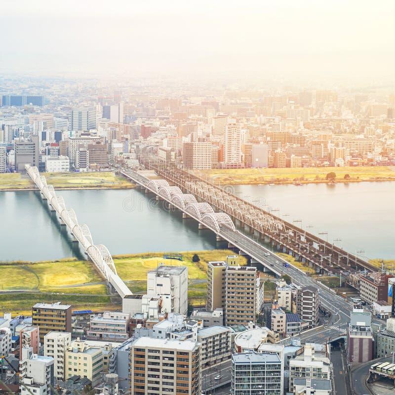 De panoramische moderne luchtmening van de stadshorizon in Osaka, Japan stock foto