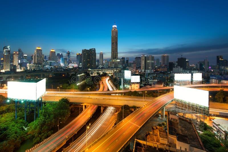 De panoramische stad die van Bangkok modern bedrijfsdistrict met ex bouwen stock afbeeldingen