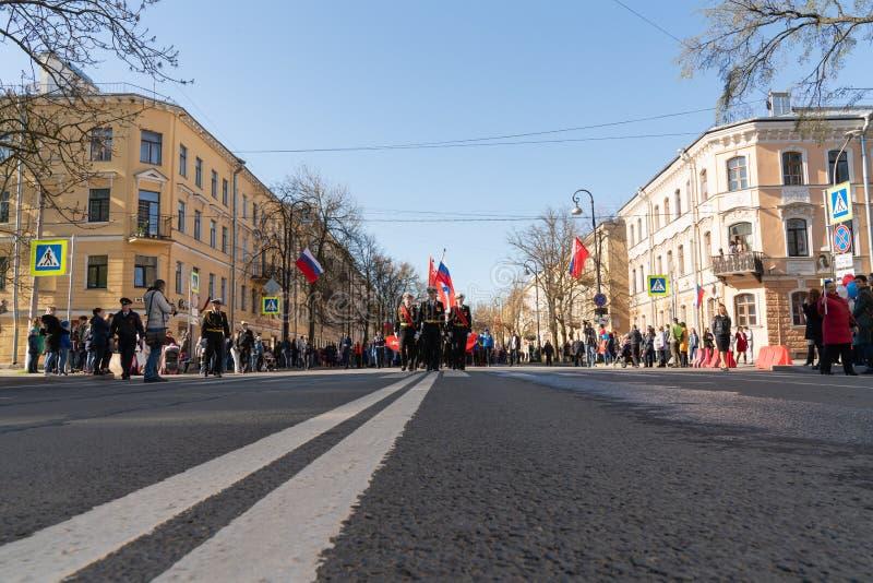 De parade aan de overwinningsdag kan 9, 2019 in Kronstadt Rusland, St. Petersburg 09 05 2019 royalty-vrije stock foto's