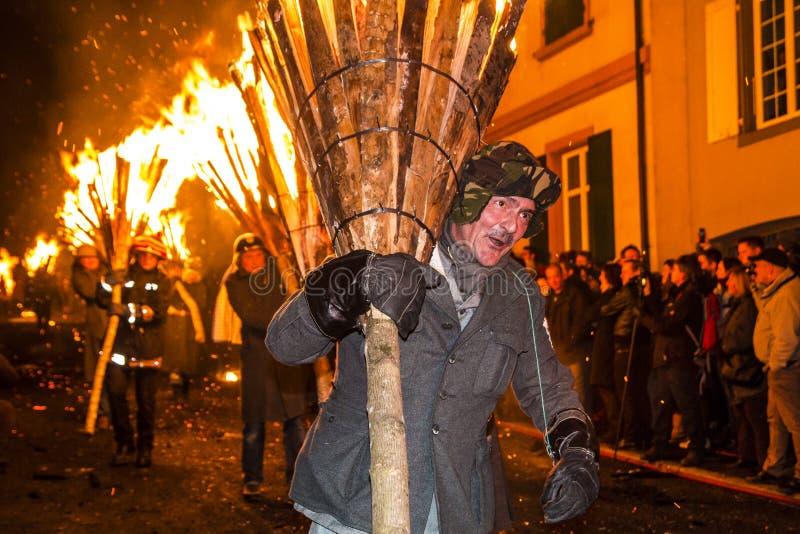 De parade van Chienbasefastnach en deelnemers in Liestal, Zwitserland royalty-vrije stock foto's