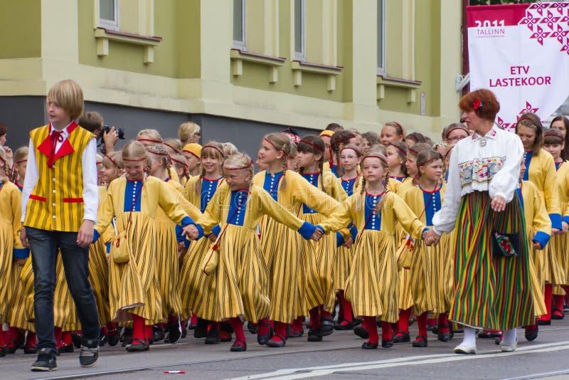 De parade van de Viering 2011 van het Lied en van de Dans stock afbeelding