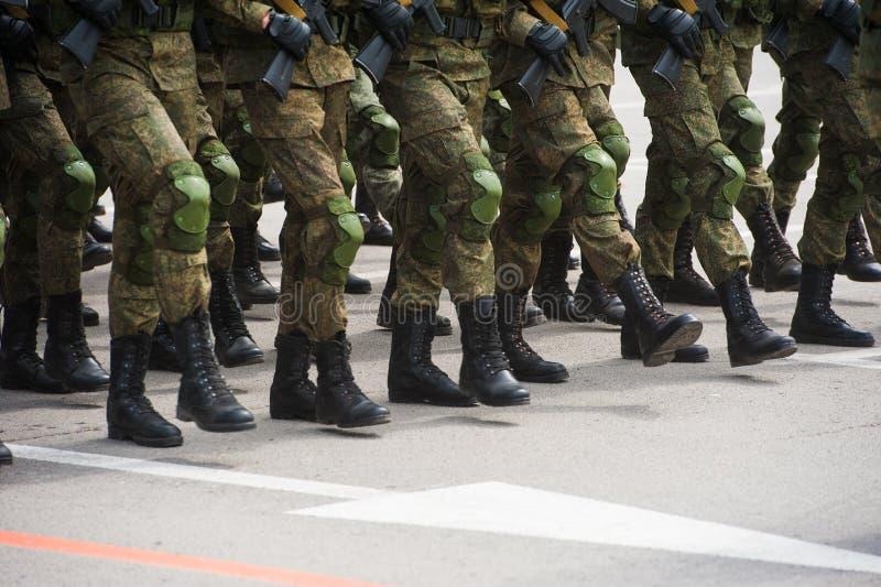 De parade van militairen royalty-vrije stock foto