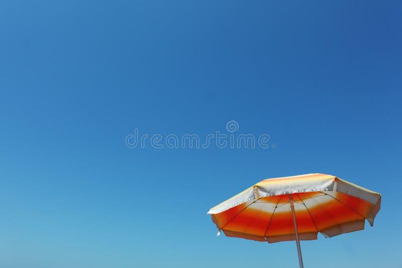 De paraplu van de zomer royalty-vrije stock fotografie
