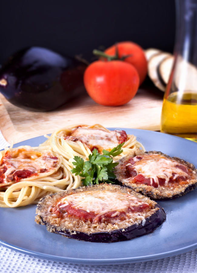 De Parmezaanse kaas van de aubergine   stock foto's
