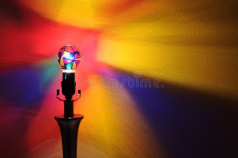 De Partij Lightbulb van de regenboog stock fotografie