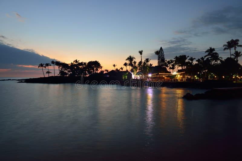 De partij Luau van het strand in Hawaï na zonsondergang stock foto's