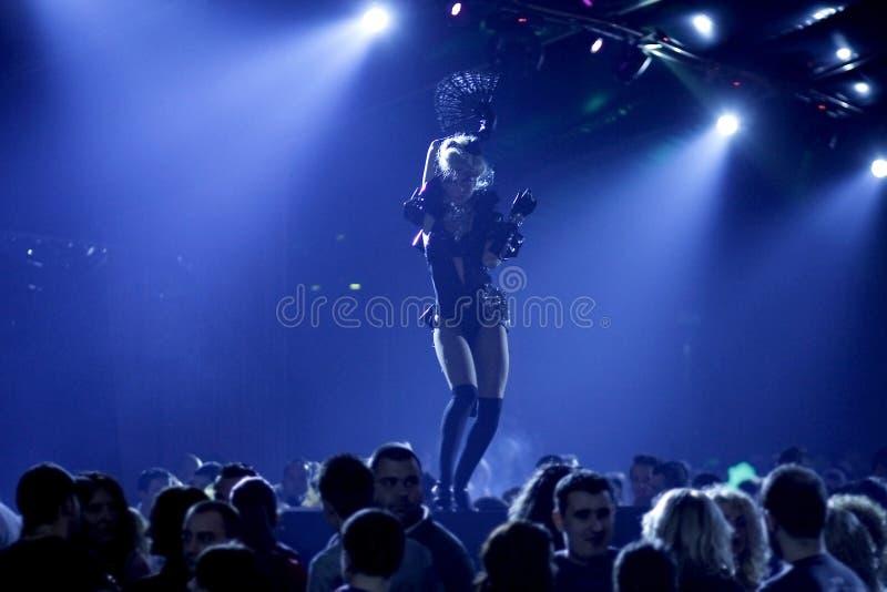 De partij van de nachtclub met sexy dansers royalty-vrije stock fotografie