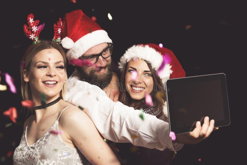 De partij van de nieuwjaar` s Vooravond selfie stock afbeeldingen