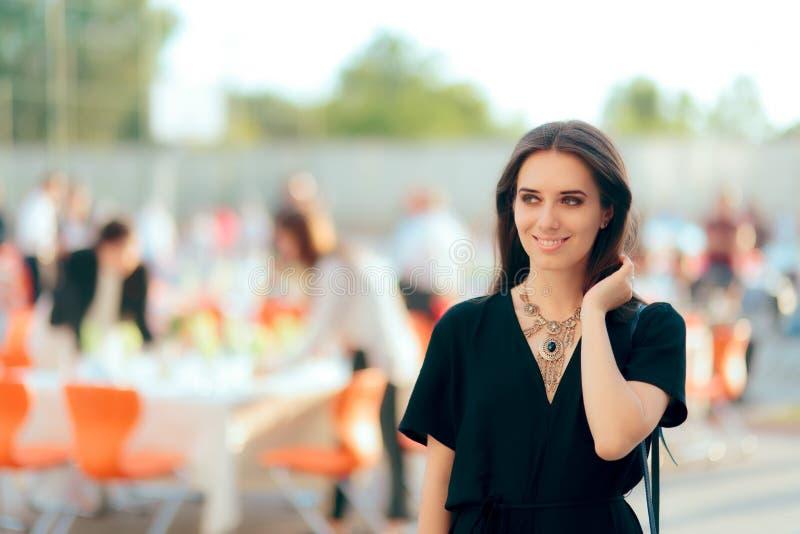 De Partij van de Specialistenwoman organizing outdoor van de gebeurtenisontwerper PR stock foto