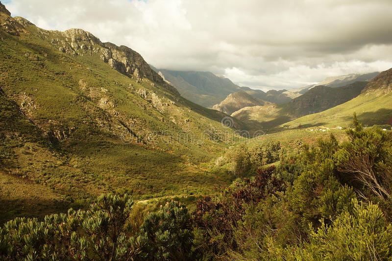 De pas van de berg stock afbeeldingen