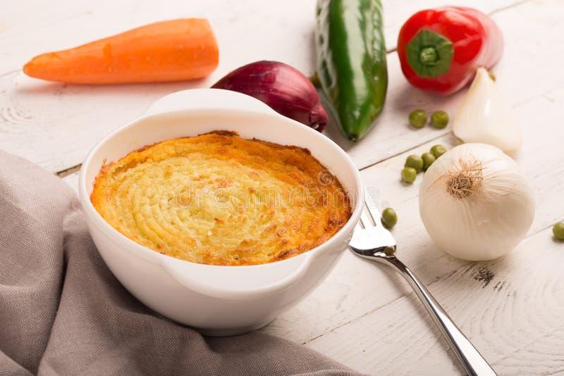 De pastei van de herder met aardappel stock afbeeldingen