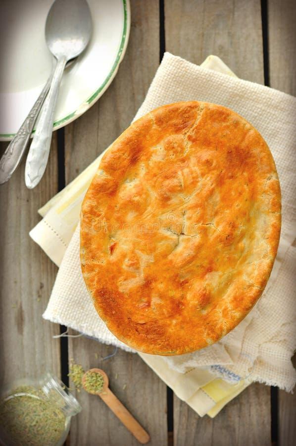 Download De Pastei Van De Kip En Van De Pot Van Groenten Stock Foto - Afbeelding bestaande uit gouden, gebakje: 29505368